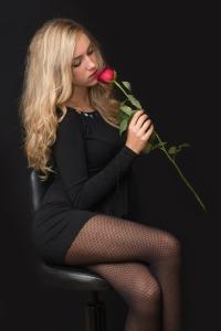 girl-559307_1920